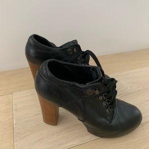 Chloe black leather heeled booties